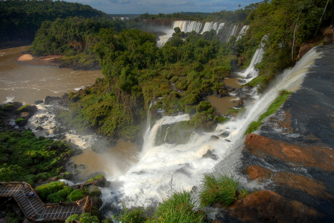 View from el paseo superior in the Argentinian part of Iguazú National Park.